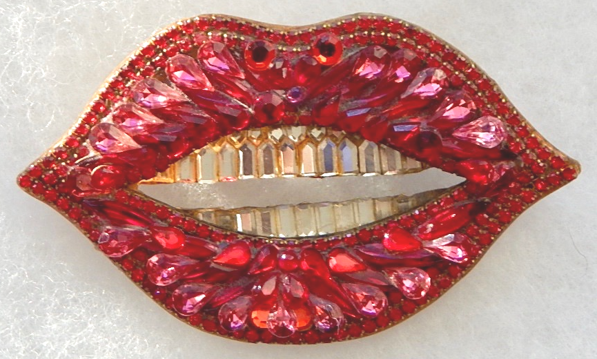 "wendy gill designer custom ""lips"" rhinestone pin"