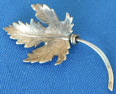 "Coro sterling 2"" leaf pin"