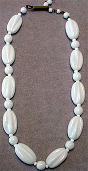 Vintage WG glass bead necklace