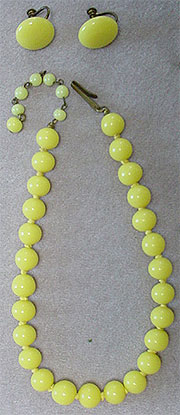 Vintage yellow glass bead necklace and earrings